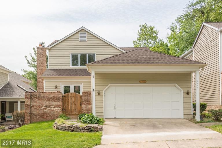 Single Family for Sale at 2902 Elmtop Court Oakton, Virginia 22124 United States
