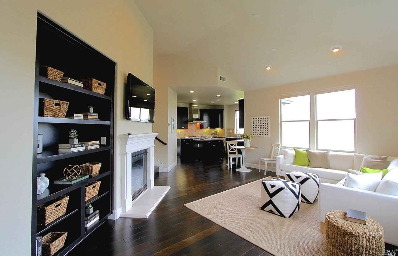 Additional photo for property listing at 11 Edgehill Way  SAN RAFAEL, CALIFORNIA 94903