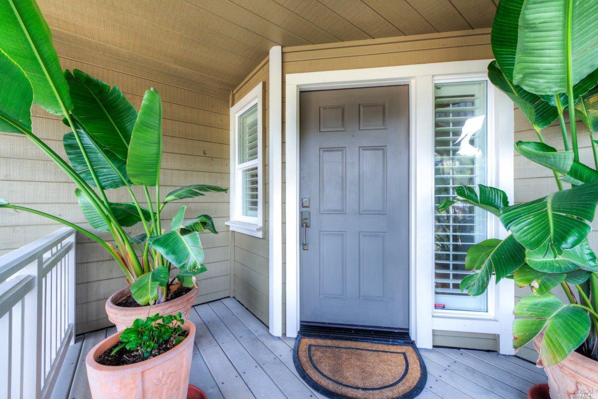 Additional photo for property listing at 4 Presidio Court  CORTE MADERA, CALIFORNIA 94925