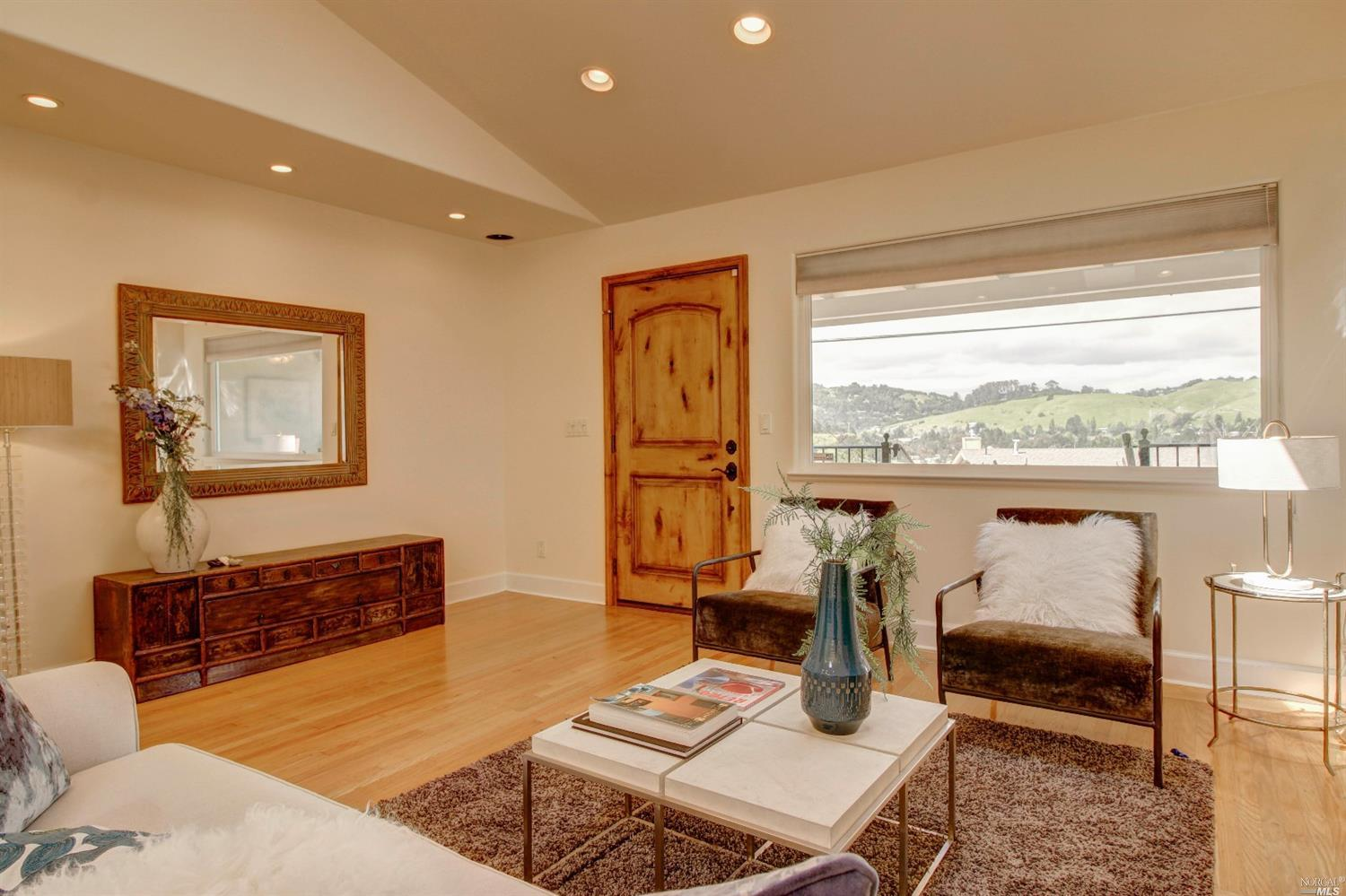 Additional photo for property listing at 140 Carlotta Circle  MILL VALLEY, CALIFORNIA 94941