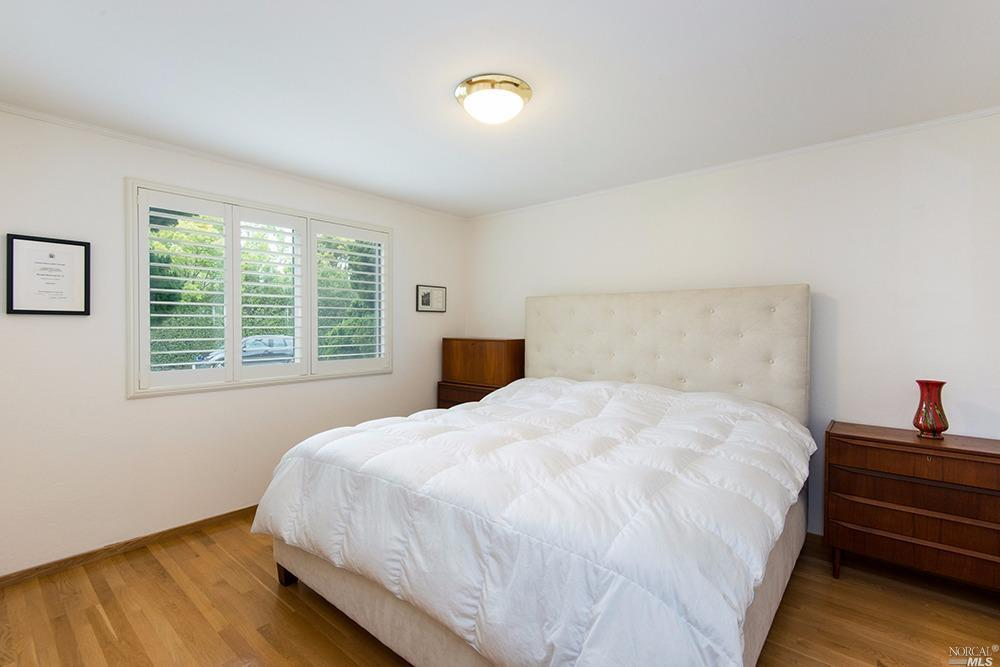 Additional photo for property listing at 3 Chickasaw Court  CORTE MADERA, CALIFORNIA 94925