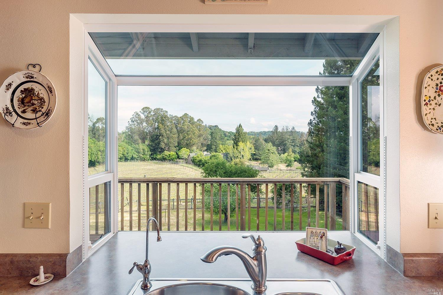Additional photo for property listing at 6096 Vine Hill School Road  SEBASTOPOL, CALIFORNIA 95472