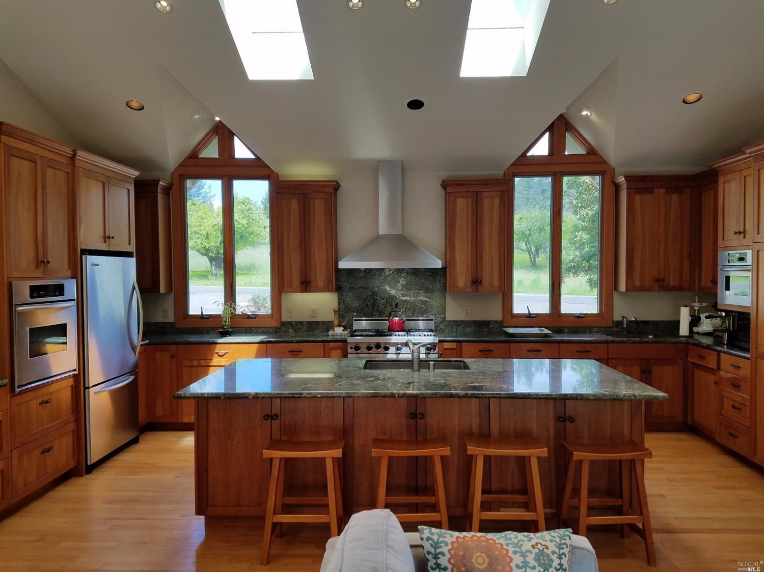 Additional photo for property listing at 12649 Fiori Lane  SEBASTOPOL, CALIFORNIA 95472