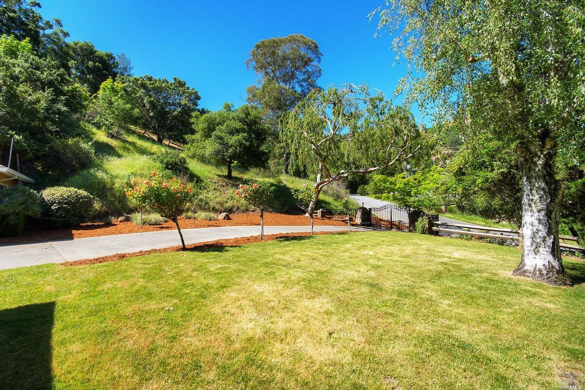 Additional photo for property listing at 5 Oak View Drive  SAN RAFAEL, CALIFORNIA 94903