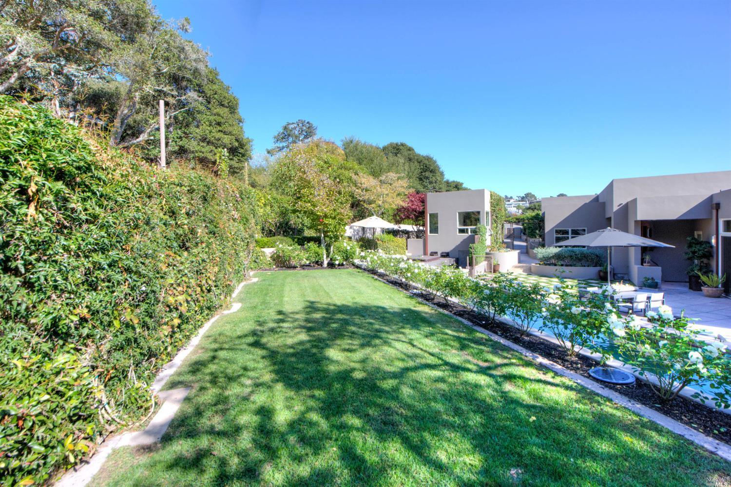 Additional photo for property listing at 83 Round Hill Road  TIBURON, CALIFORNIA 94920