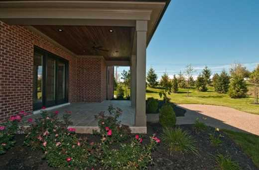 5988 Capeview Place - Photo 4