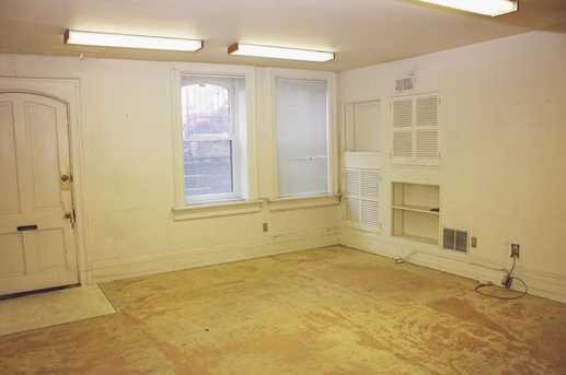 213 W Ninth Street - Photo 9