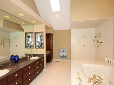8755 Old Indian Hill Road - Photo 15