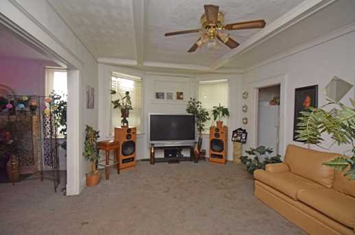 639 Forest Avenue - Photo 3