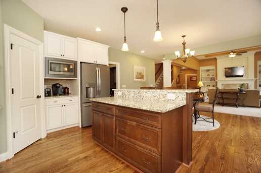 553 Silverleaf Lane - Photo 9