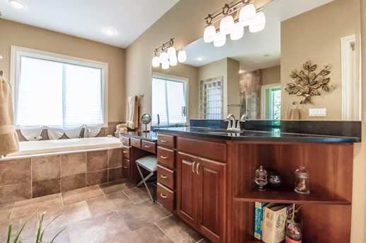 7970 Country Brook Court - Photo 15