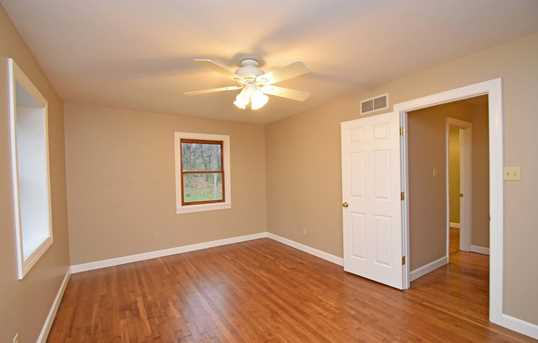 4300 Howards Creek Road - Photo 15