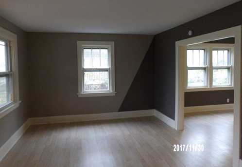 1749 Lawn Ave - Photo 3