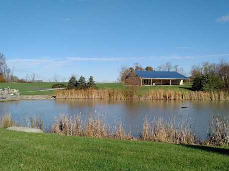 683 Lake View Drive - Photo 3