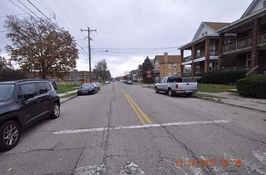 2431 Robertson Avenue - Photo 25