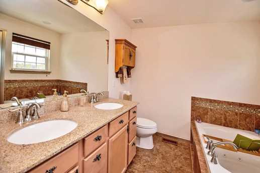 7975 Valley Crossing Drive - Photo 17