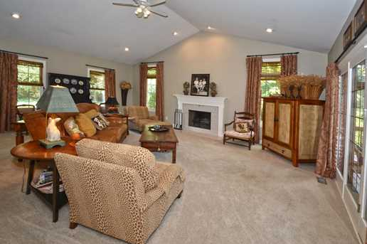 320 Summer View Drive - Photo 7