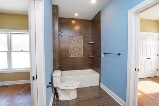 7450 Old Woods Court - Photo 19