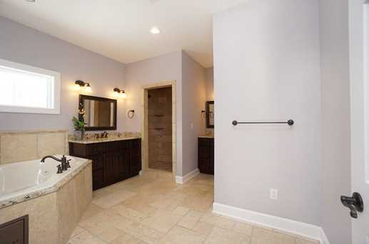 7450 Old Woods Court - Photo 15