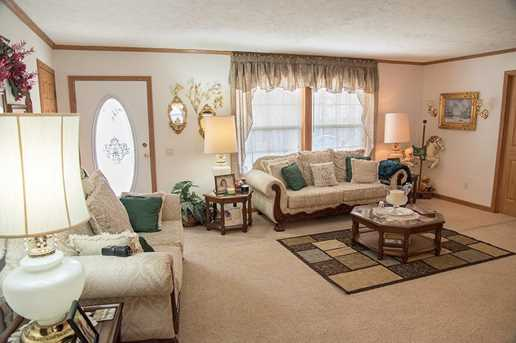 6585 Pied Piper Parkway - Photo 5