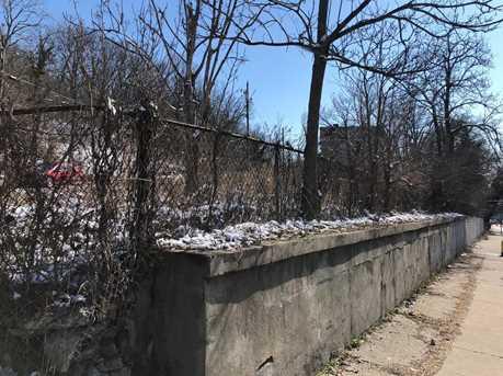 1653 Tremont Ave - Photo 3