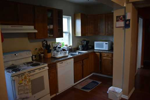 1604 Woodlawn Avenue - Photo 3