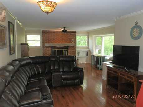 1136 N Troy Ave - Photo 9