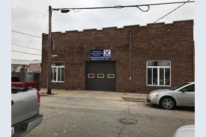 2075 Mills Avenue - Photo 1