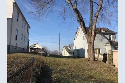 1780 Kahn Avenue - Photo 1