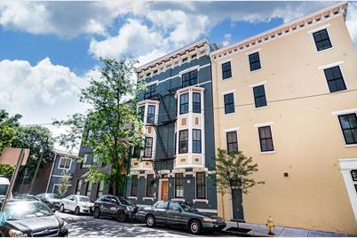 131 W Fifteenth Street #3B - Photo 1