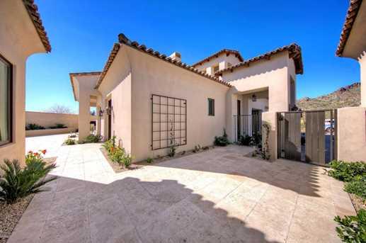 3965 E Sierra Vista Drive - Photo 3