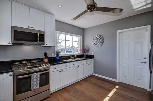 3802 N 43rd Place - Photo 9