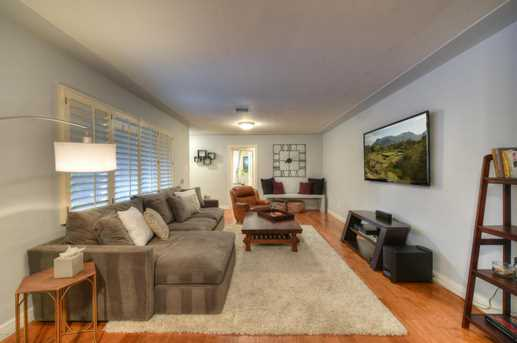 4011 N 40th Place - Photo 8