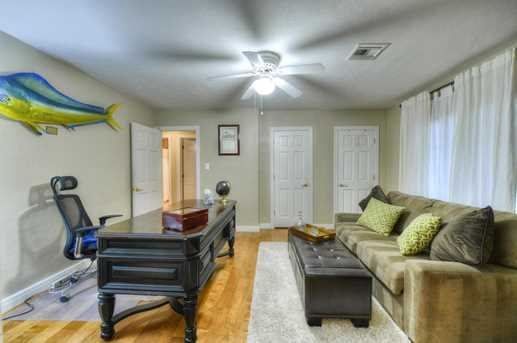 4011 N 40th Place - Photo 11