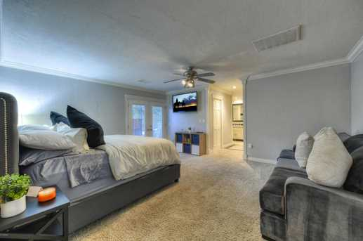 4011 N 40th Place - Photo 13