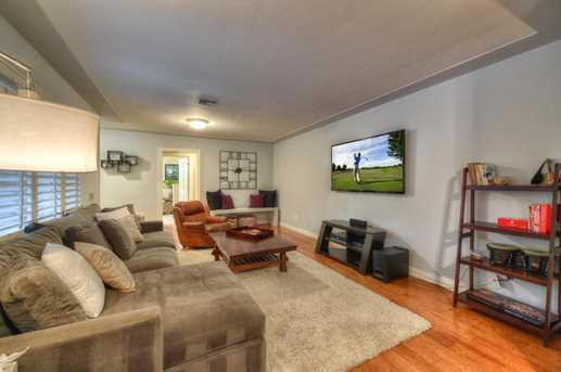 4011 N 40th Place - Photo 4
