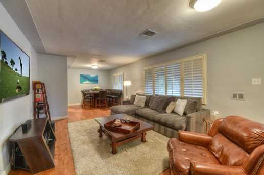 4011 N 40th Place - Photo 7