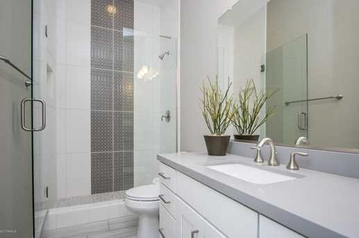3030 N 50th Place - Photo 11