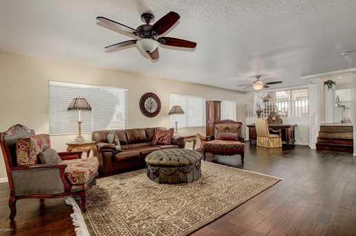 5527 W Arrowhead Lakes Drive - Photo 19