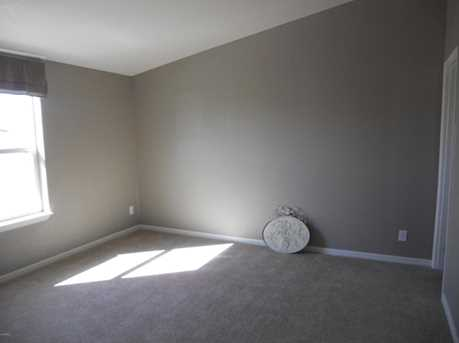 16238 N 32nd Place - Photo 10
