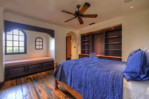 7620 N Foothill Drive - Photo 44