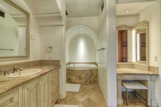 7620 N Foothill Drive - Photo 41