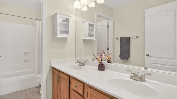 16219 S 24th Way - Photo 32