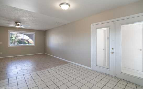 6947 W Solano Drive - Photo 10