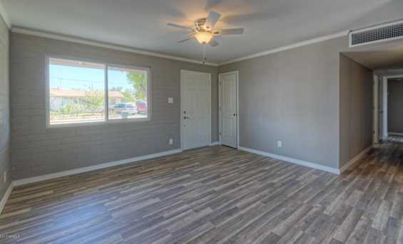 14832 N 35th Place - Photo 4