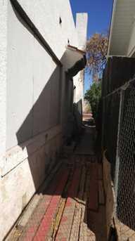 727 E Moreland Street - Photo 6