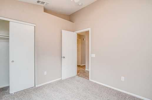 10427 W Reade Avenue - Photo 9