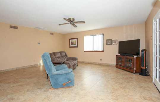 737 N Forest - Photo 21