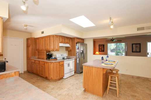 737 N Forest - Photo 10