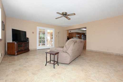 737 N Forest - Photo 4